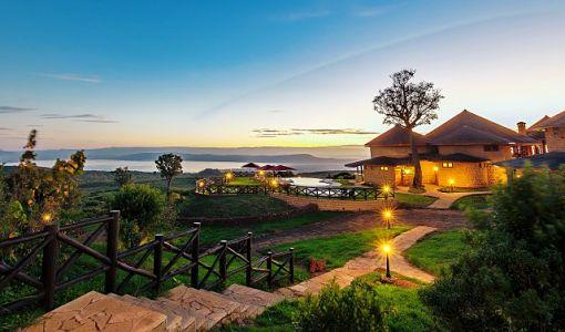 kenya_hotel_sopa lodge_lago_nakuru_exterior_510