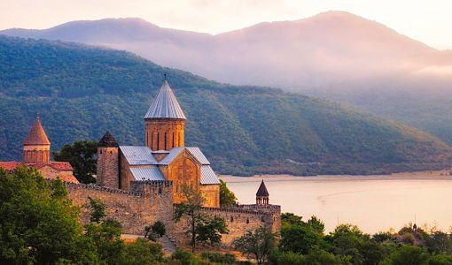 georgia_castillo_de_ananuri_510[1]
